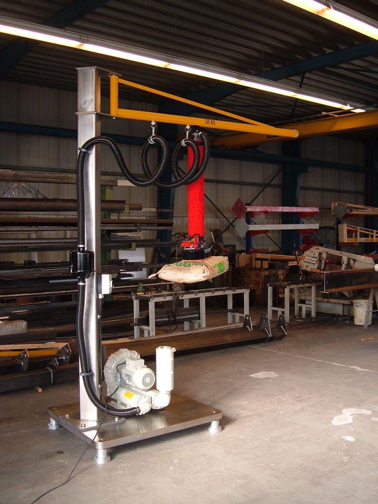 Vakuumheber mit versetzbarer Bodenplatte für den flexiblen Einsatz in Hallen oder im Freien